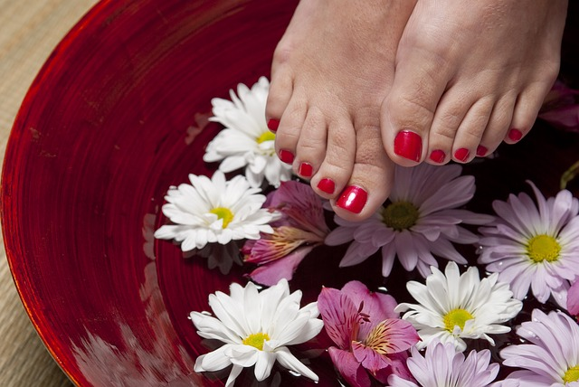 DIY Pedicure With Kitchen Ingredients At Home